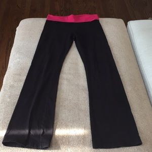 Aerie yoga pants size medium.